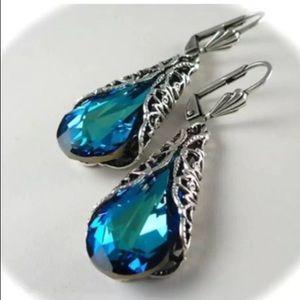 ❤️gorgeous sapphire gemstone silver drop dangle